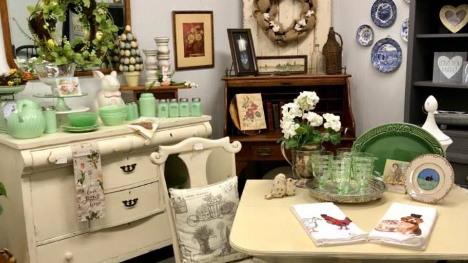 Pink Door Boutique &  Vintage Treasures